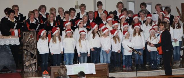 Adentskonzert 2014 Franziskusgruppe und Chor