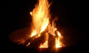 feuerschale -brennend-handgeschmiedet-eisen zern